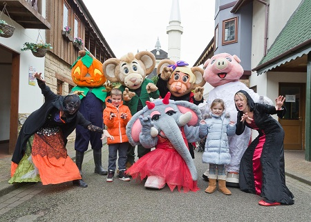 Halloween at Gulliver's Theme Parks, kids with costumed characters and mascots
