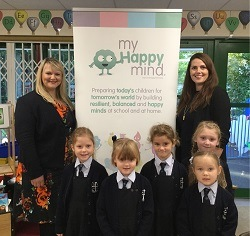 Helen Jeys Headmistress with Laura Earnshaw and year 1 girls