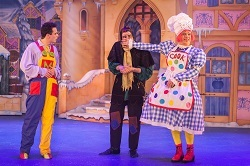 Snow White and the Seven Dwarfs at Buxton Opera House, Picture 1