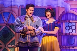 Snow White and the Seven Dwarfs at Buxton Opera House, Picture 2