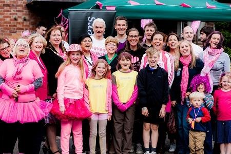Paint Cheadle Hulme Pink 2016 - event participants