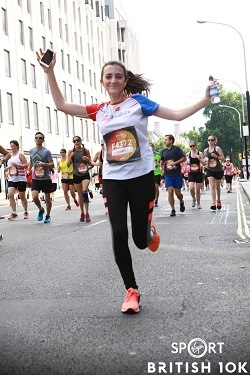 Rowdah Charbak running 10K London Run to raise money for Syria Relief